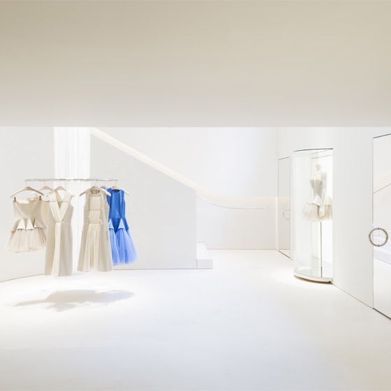 Christopher-Kane-store-London-by-John-Pawson_dezeen_784_2