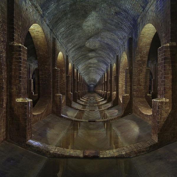 item5.rendition.slideshowHorizontal.matt-emmett-abandoned-buildings-photography-06