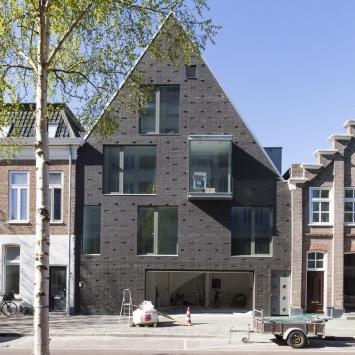 1.-Publiek-Woning-Trompstraat-Tonnis-Bouman-Architect-522x391