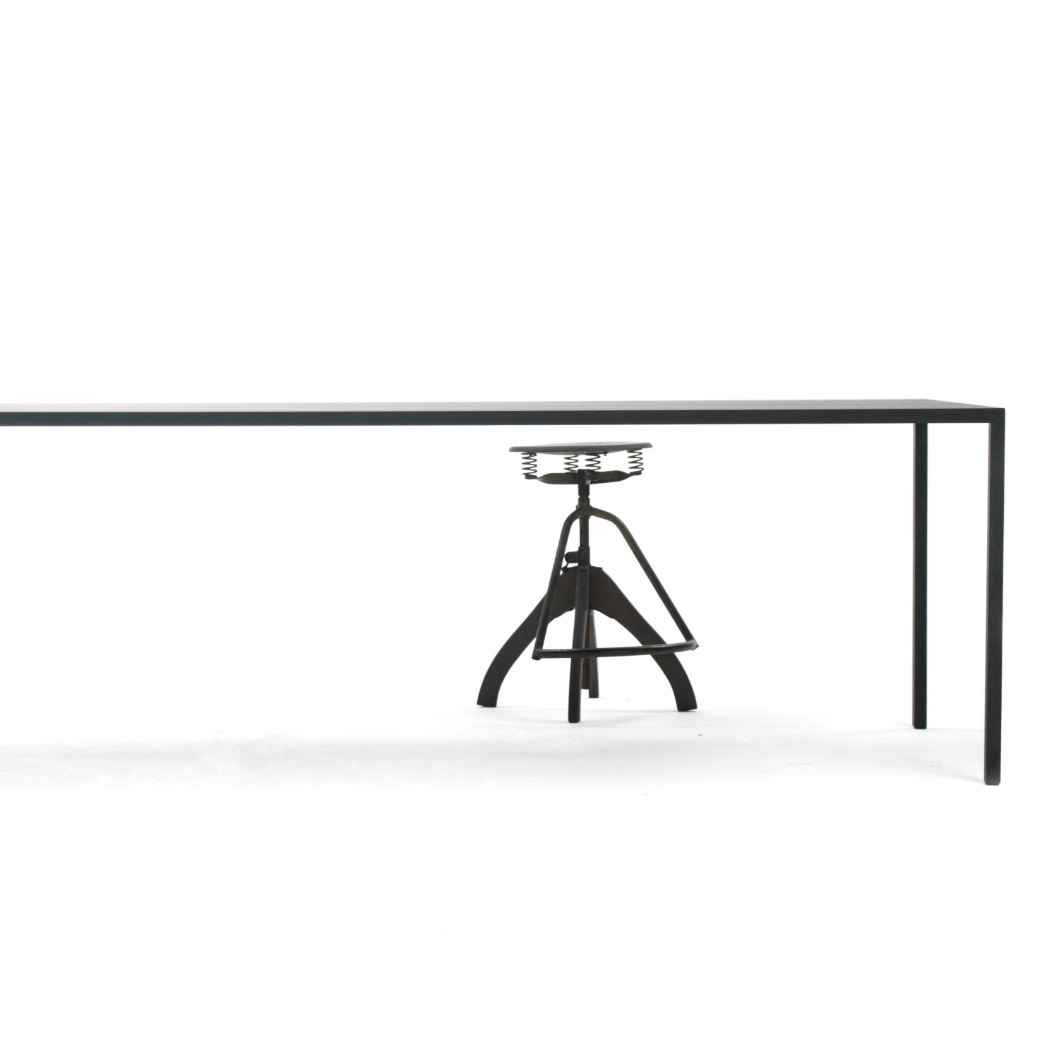 Favorites-Arco-Slim-Table