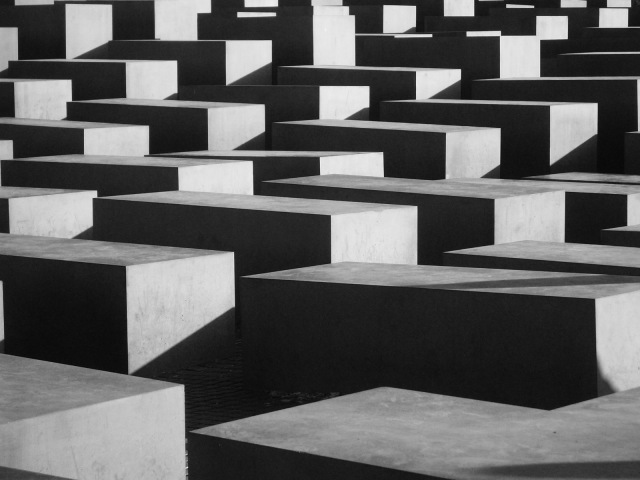 Holocaust_monument_Berlijn