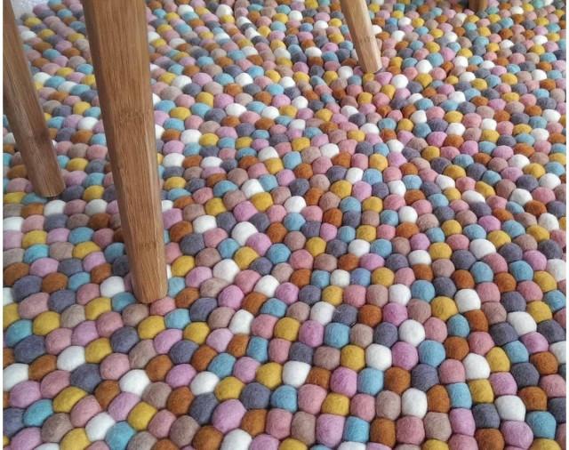 houten-stoel-tapijt-eigen-kleuren-online