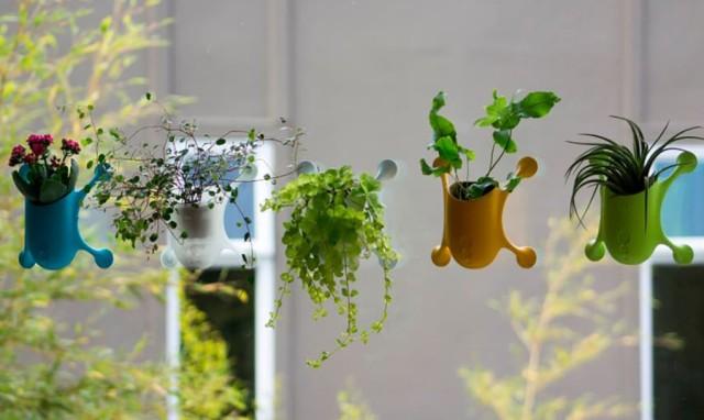 livi-portable-plant-holder-1-1020x610