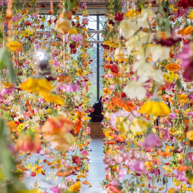 rebecca-louise-laws-floral-installation-at-bikini-berlin-4-1