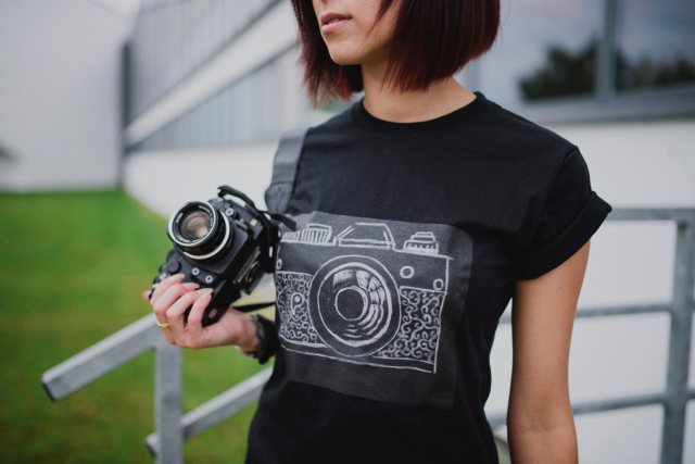 challky-t-shirt-chalk-drawable-surface-1
