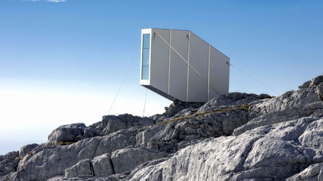 gallery-1480688409-winter-cabin-kanin-ofis-fotojanez-martincic-07-2-e1481814403512