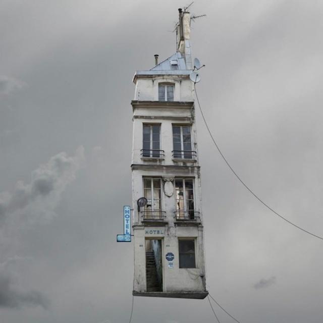 flyinghouses1.jpg