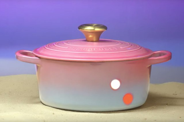 149645-news-this-le-creuset-dutch-oven-is-900-but-hey-its-star-wars-themed-image1-hz10wi5ikf.jpg