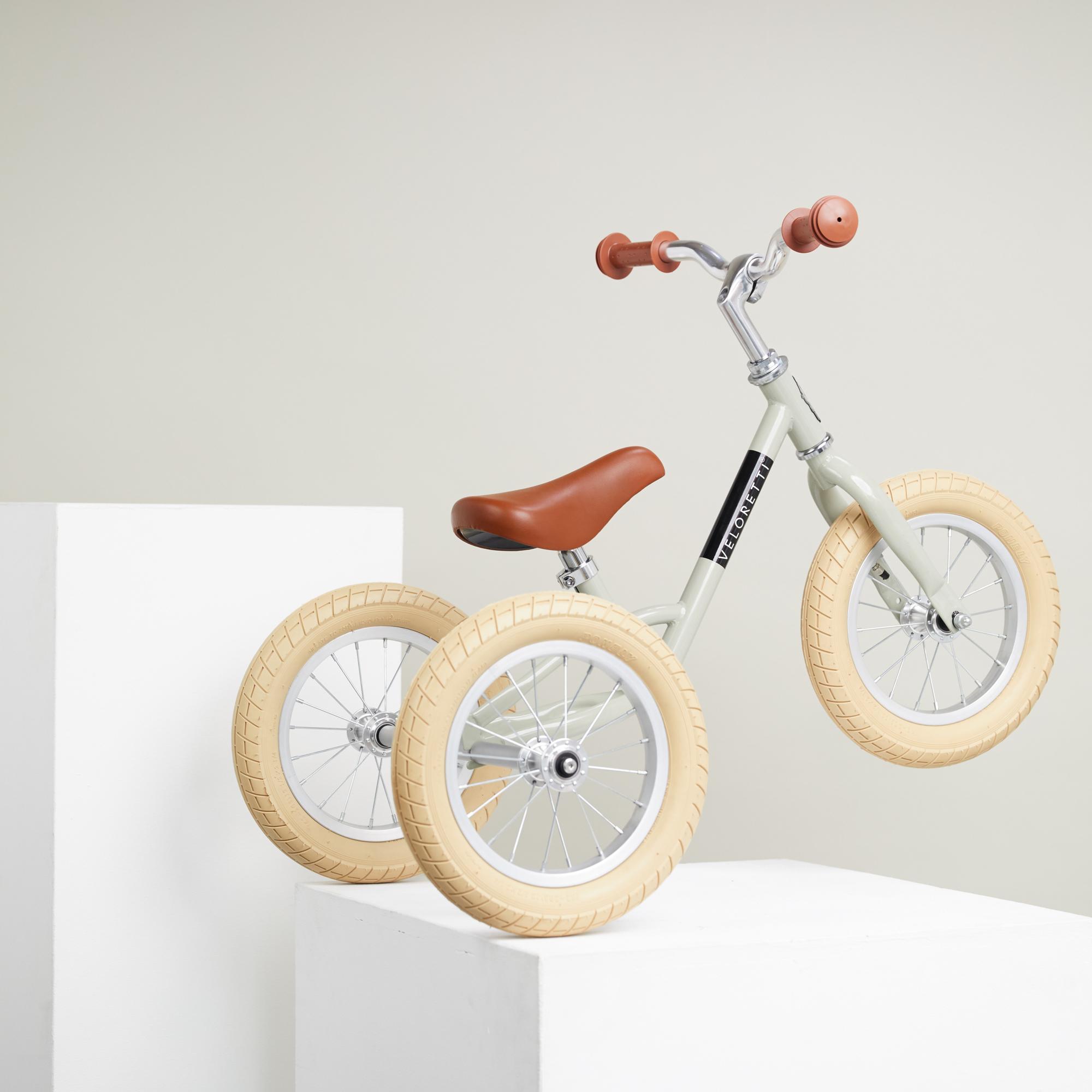 Veloretti_Kids_bikes_28_jan_Tricycle_Pebble_grey_0154_2000x_crop_left.png
